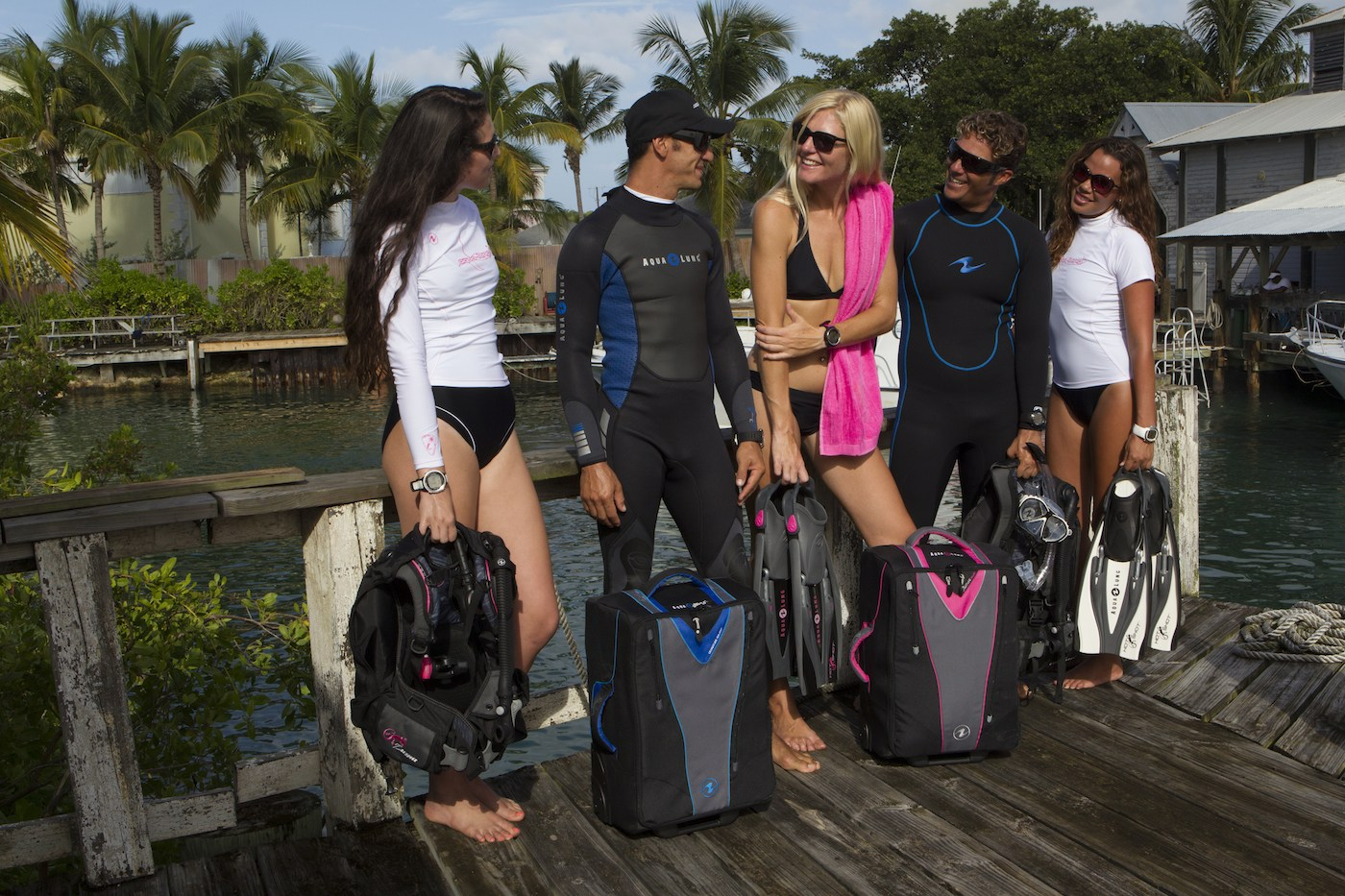 Is it possible to travel light AND bring dive equipment?